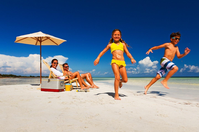 bh-family-beach-fun