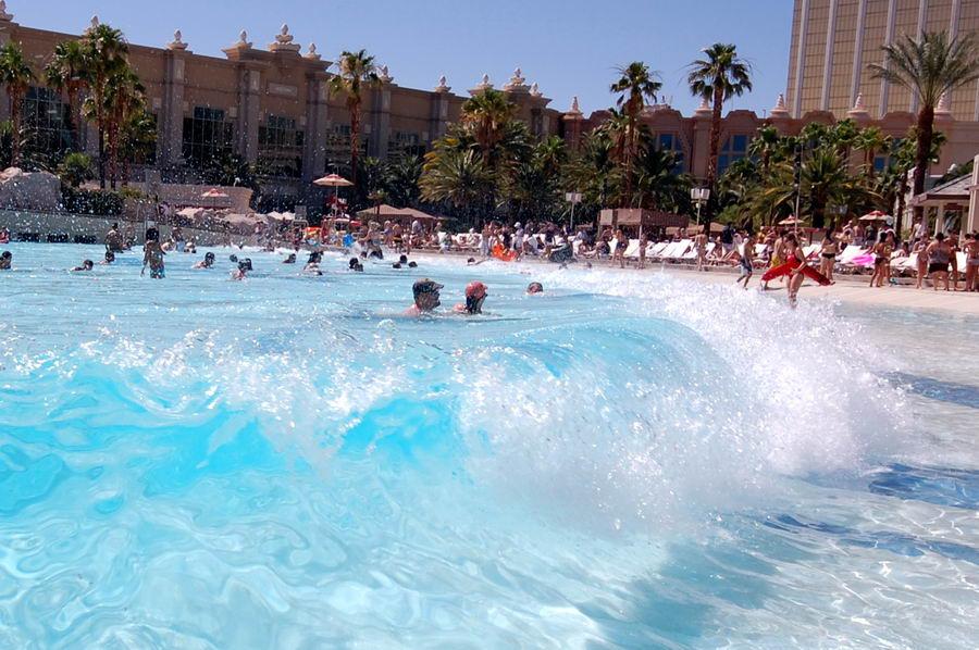 wave-pool-wave