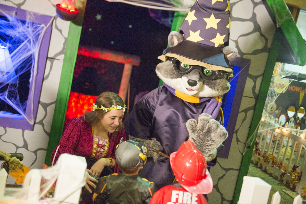 Celebrate Howl-O-Ween at the Great Wolf Lodge.