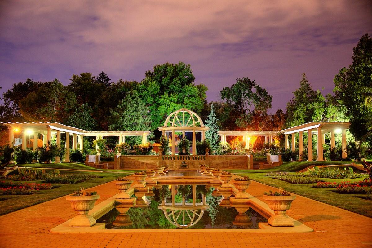 Rose Gardens in Fort Wayne, IN