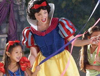 7 Reasons to Bring the Kids to Disney World This Spring
