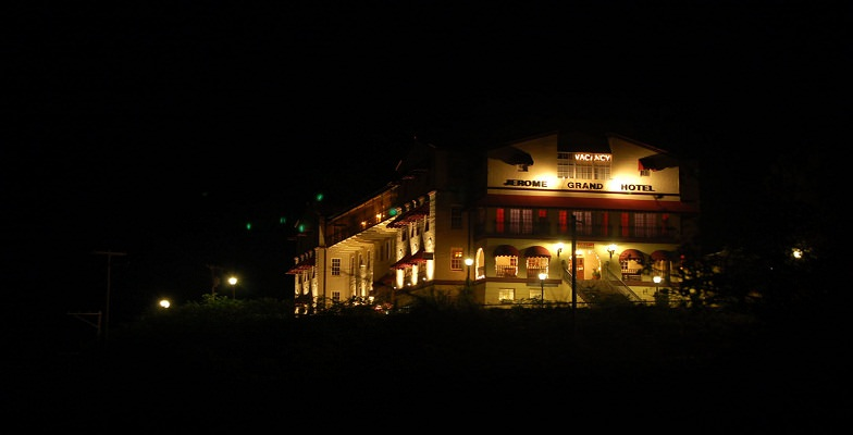 best haunted hotel tours