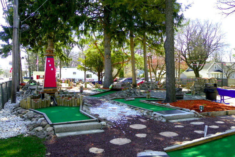 Parkside Whispering Pines Miniature Golf in Sea Breeze, NY