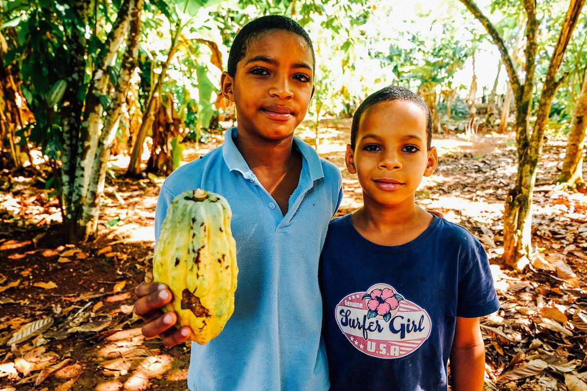 Local kids at Los Tocones