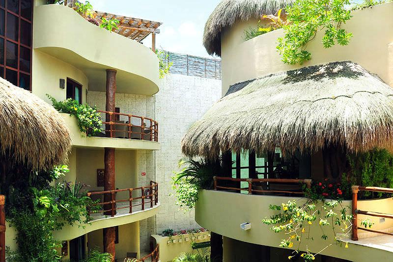 Maya Villa Condo Hotel & Beachclub