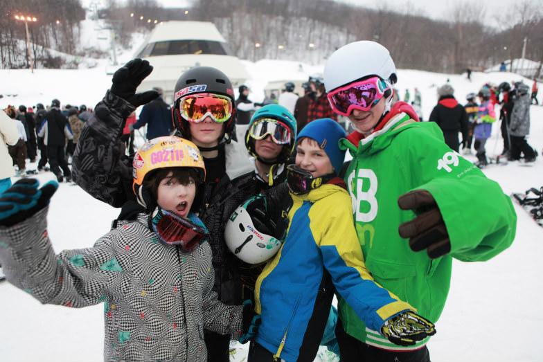 Big Bear Mountain skiers