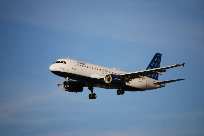Families on the budget can find cheap flights easily with these tools.