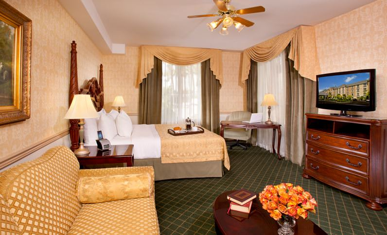King room at Ayres Anaheim
