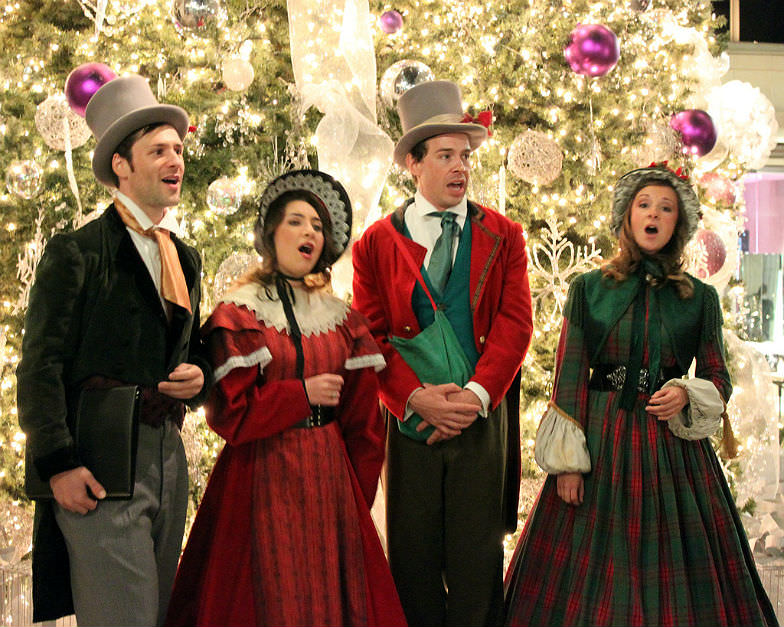Carolers on Rodeo Drive