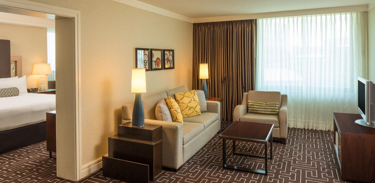 Bedroom Suites in Highland Dallas Hotel