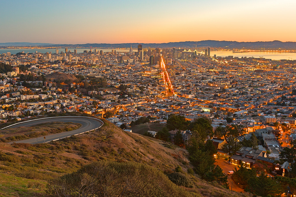 Jam-packed with diverse attractions and unique neighborhoods, San Francisco a whirlwind of family fun waiting to be found.