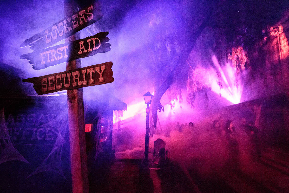 Ghost Fog Alley at Knott's Scary Farm