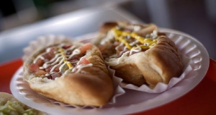 cheap eats: best hot dog joints in U.S.