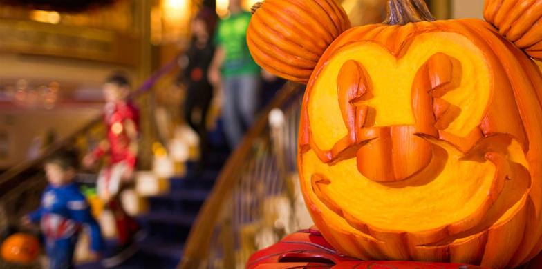 Jack-O-Lantern in the Disney ship's atrium