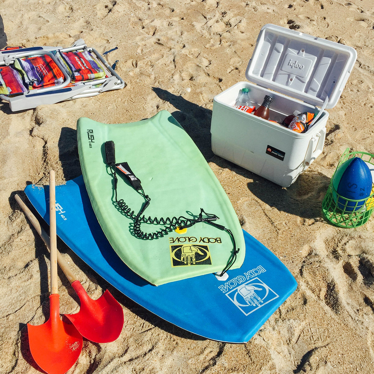 Beach toys and a cooler comes complimentary, along with beach towels, chairs and umbrellas, with the Pop-Up Beach Party.