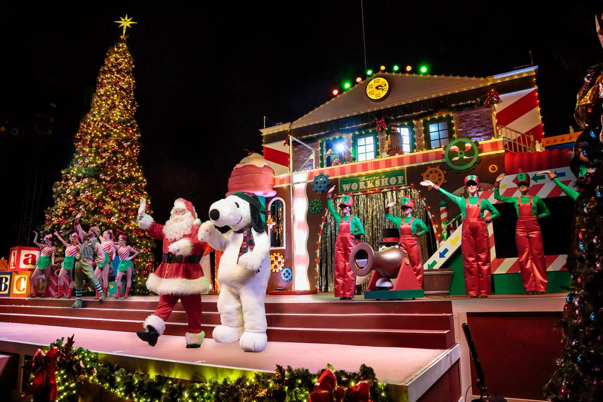 Snoopy's Merriest Tree Lighting at Knott's Berry Farm