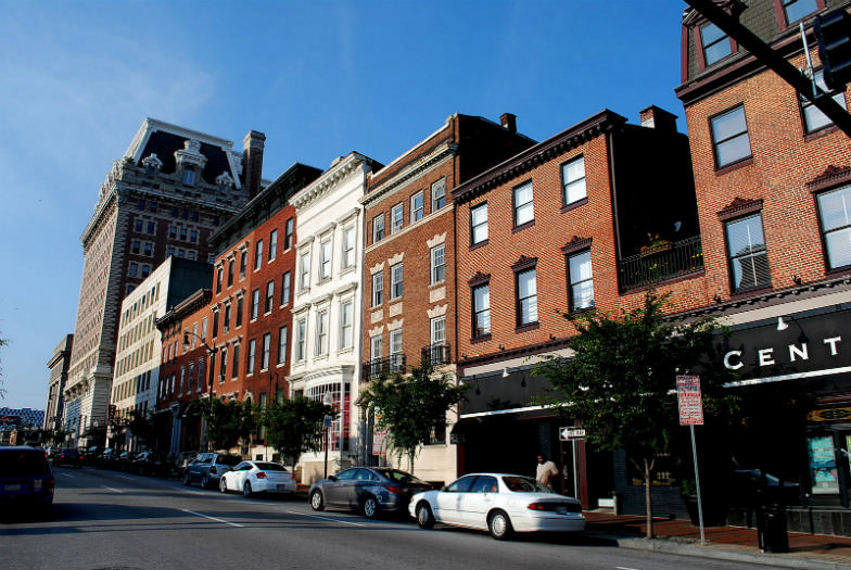 Beautiful well-preserved houses in Mount Vermont in Baltimore