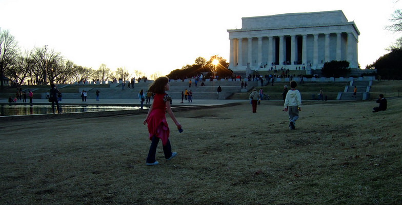 Kids at the Lincoln Memorial