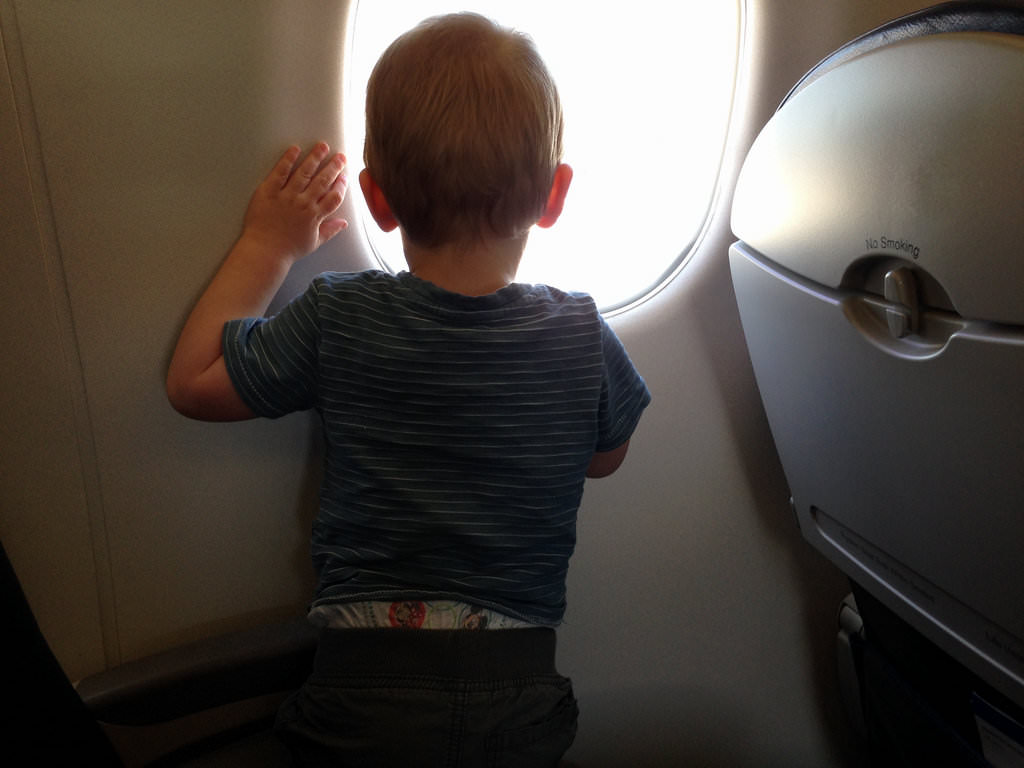 Taking the kids on a long flight? These health tips will help.