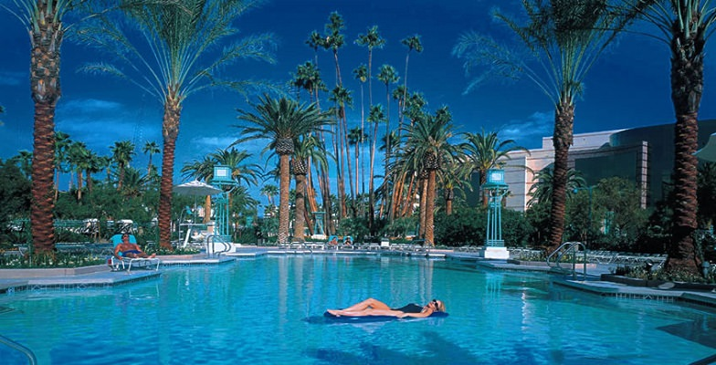 Vegas hotel pools: MGM Grand