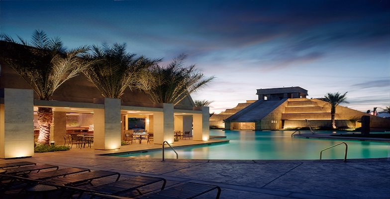Vegas hotel pools: Cancun Resort