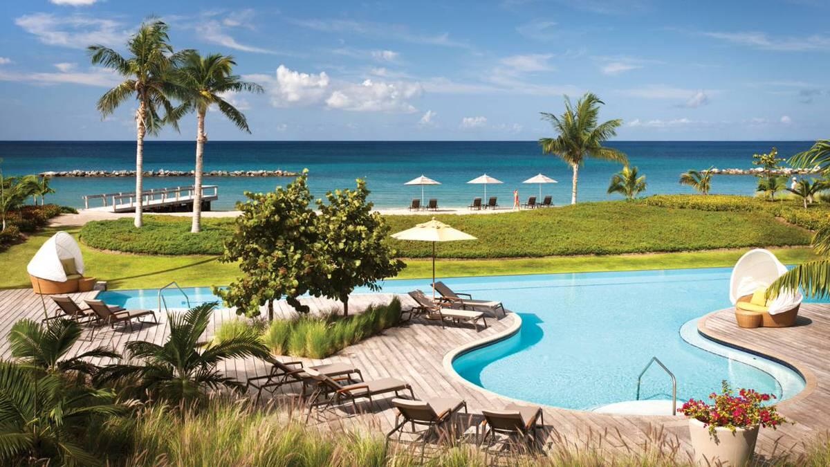 The Ocean Pool at Four Seasons Resort
