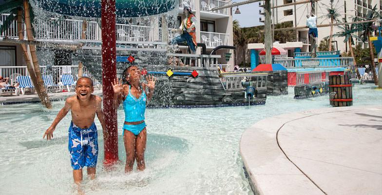 Myrtle Beach hotel pools: Captain's Quarters Resort
