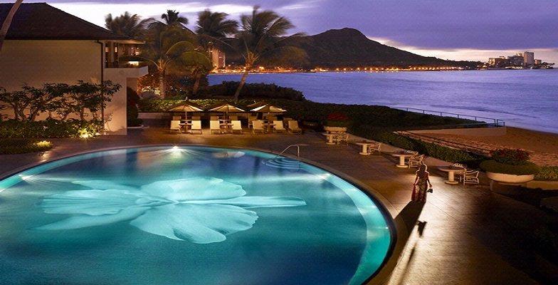 Oahu hotel pools: Halekaluni Hotel