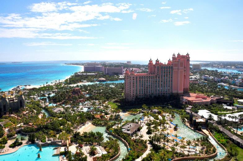 Bahamas hotel pools: Atlantis