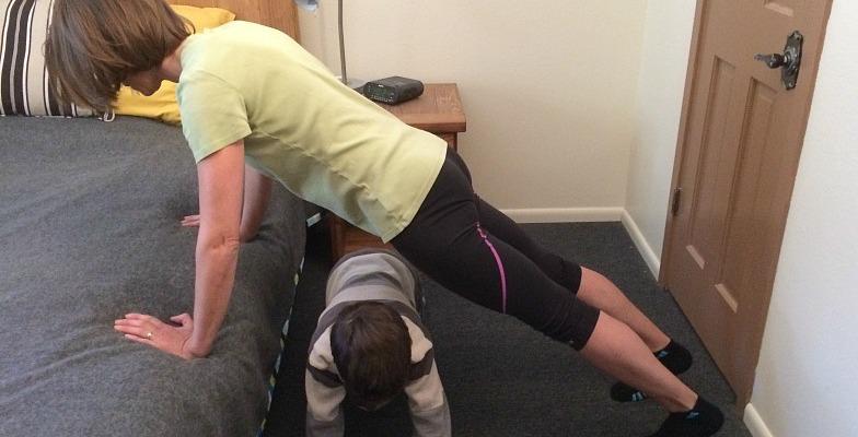 hotel workout pushup