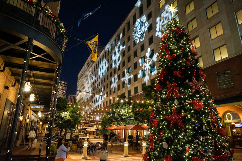 Christmas in New Orleans on Fulton Street