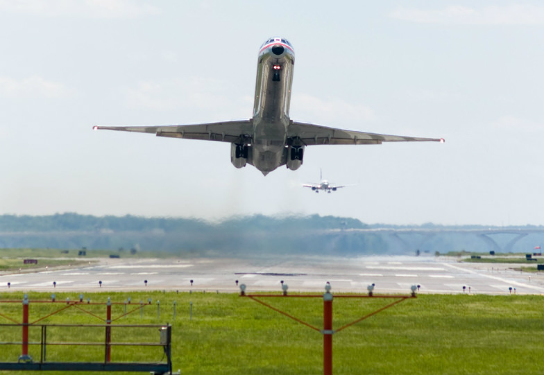 Tip Sheet: Flying With Kids