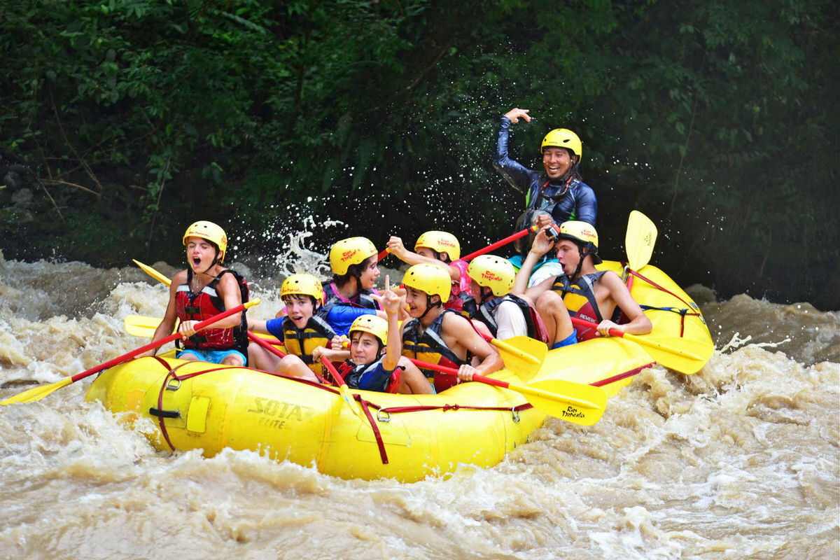 Whitewater rafting with Rios Tropicales