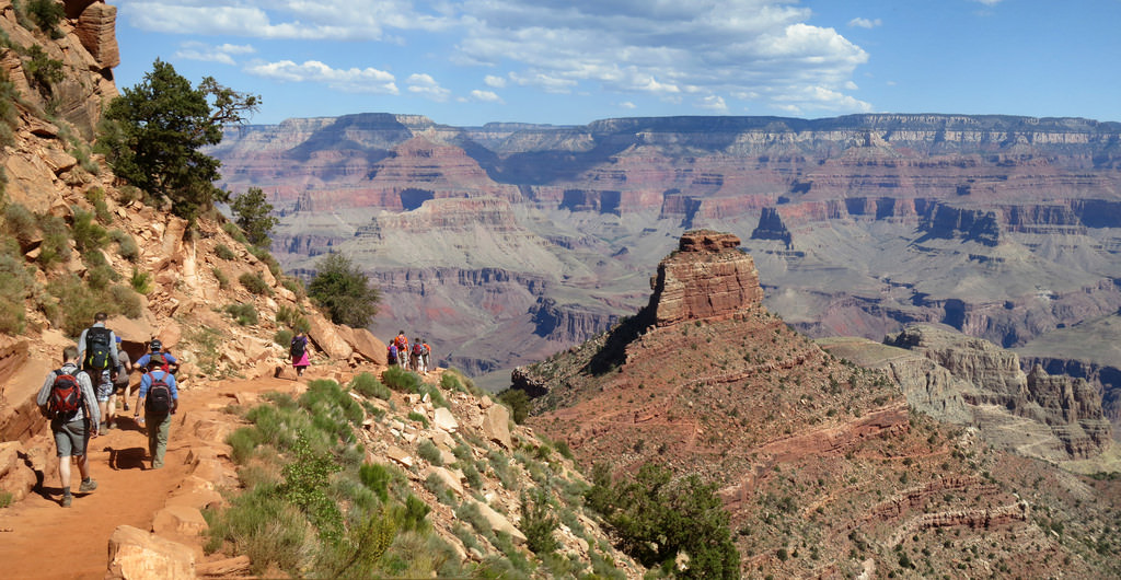 Hikers on the South Kaibab Trail